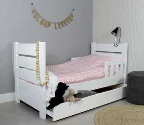 односпальная кровать Дрецаг