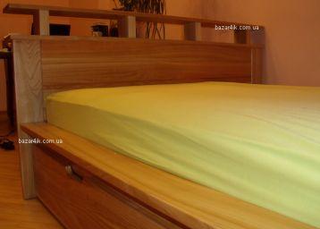 кровать из дерева Зеландия