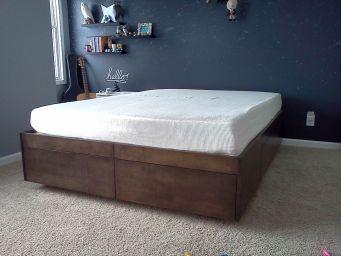 Кровать деревянная Вираж