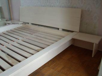 кровать из дерева Вухред
