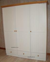 шкаф в спальню из дерева Бегитаб