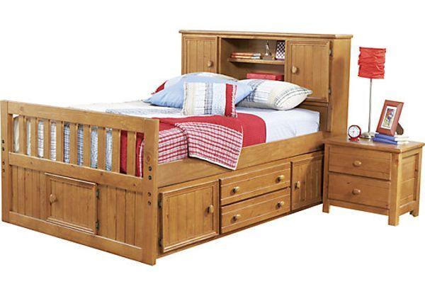 Кровать с ящиком для белья и задней стенкой